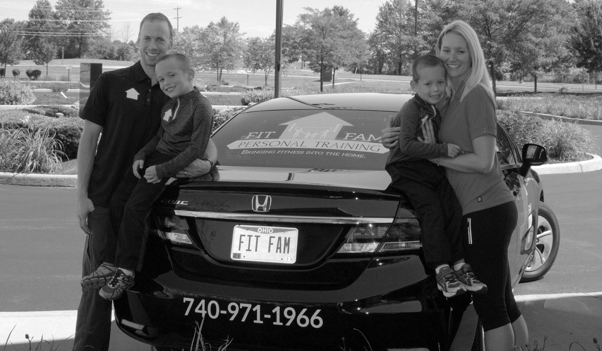 FitFam-family pic_grayscale-cropped